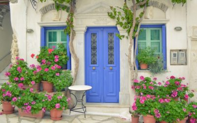 Hosts: The Pros & Cons of Keyless Entry