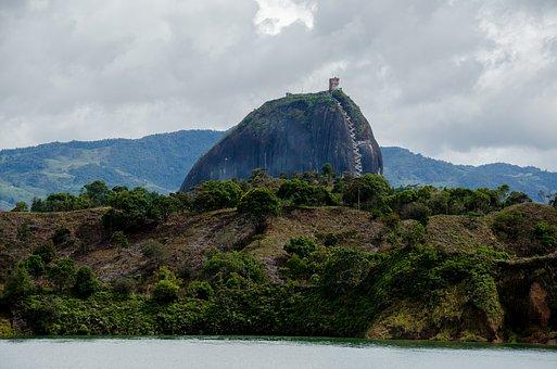 El Peñón de Guatapé, Colombia