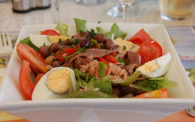 Don't Miss Eating Salade Niçoise In Nice