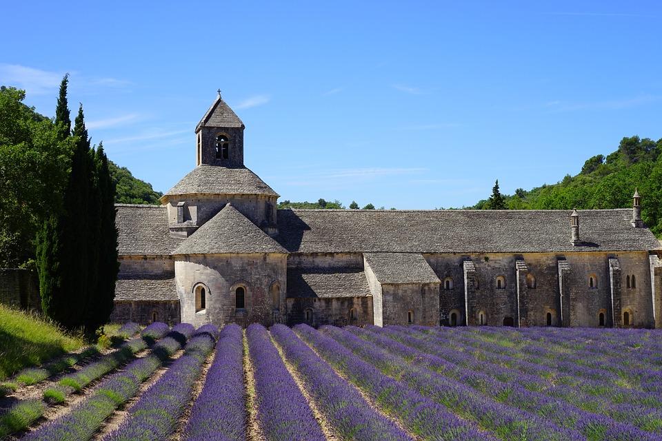 Visiting France: Abbaye de Sénanque